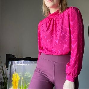 Magenta blouse with balloon sleeves 🎈